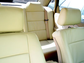 4 seats car of package tour